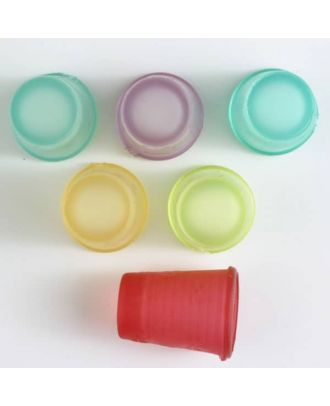 Fingerhut aus weichem  Kunststoff - Größe: 18mm - Farbe: 6 Farben gemischt - Art.Nr. 400050